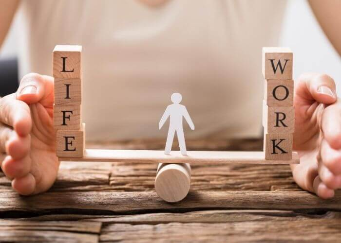 A health and wellness coaching article presenting 8 simple lifestyle habits for a more balanced life